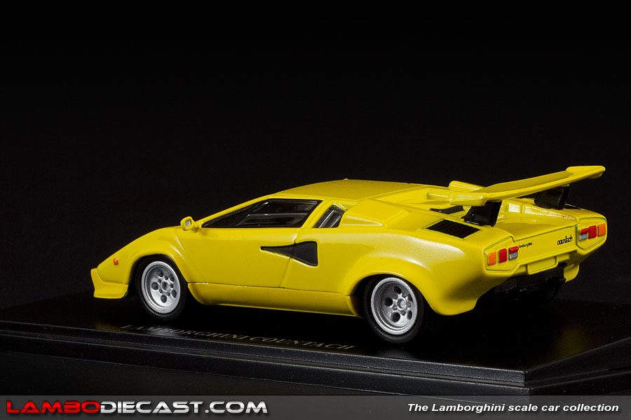 the 1 43 lamborghini countach quattrovalvole from autostrada a review by lam. Black Bedroom Furniture Sets. Home Design Ideas