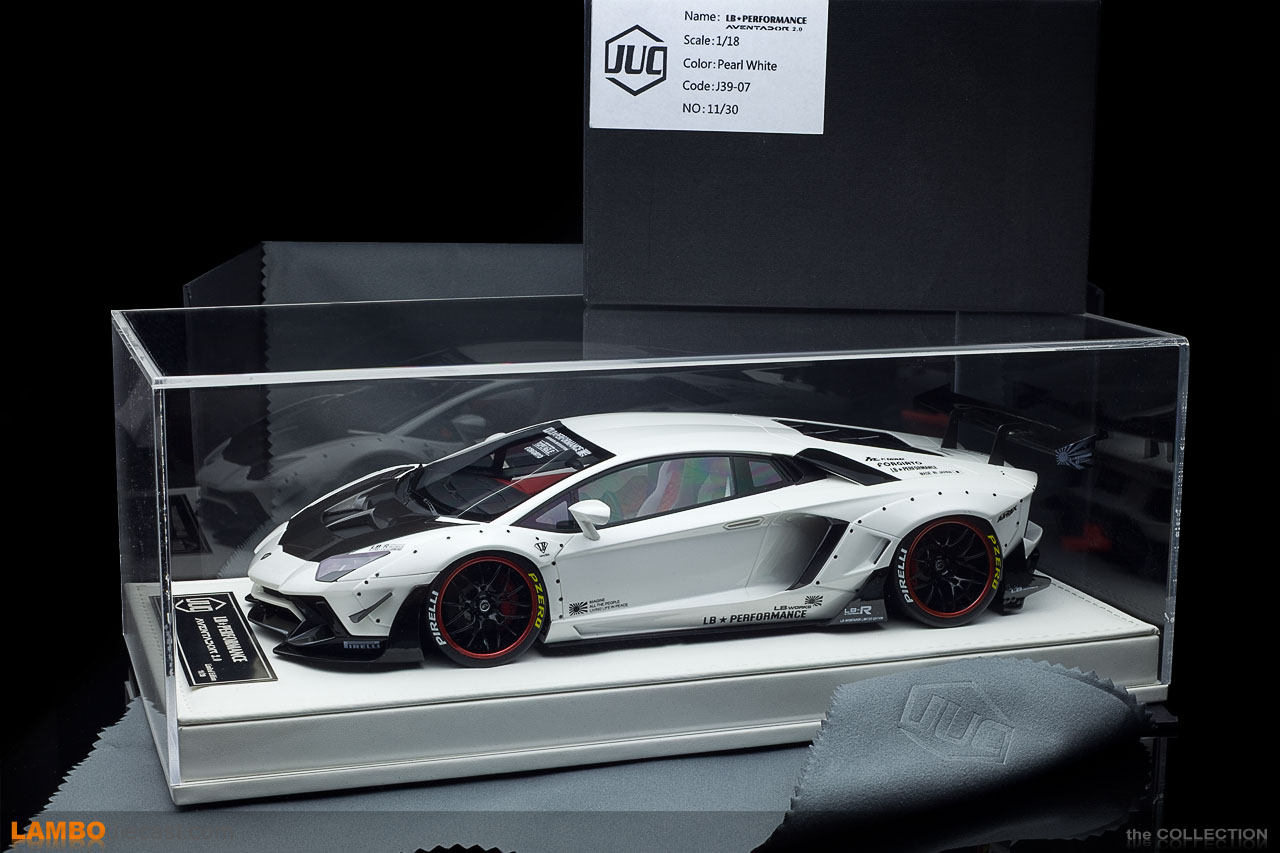 The stunning packaging of the JUC 1/18 LB-Works Aventador Limited