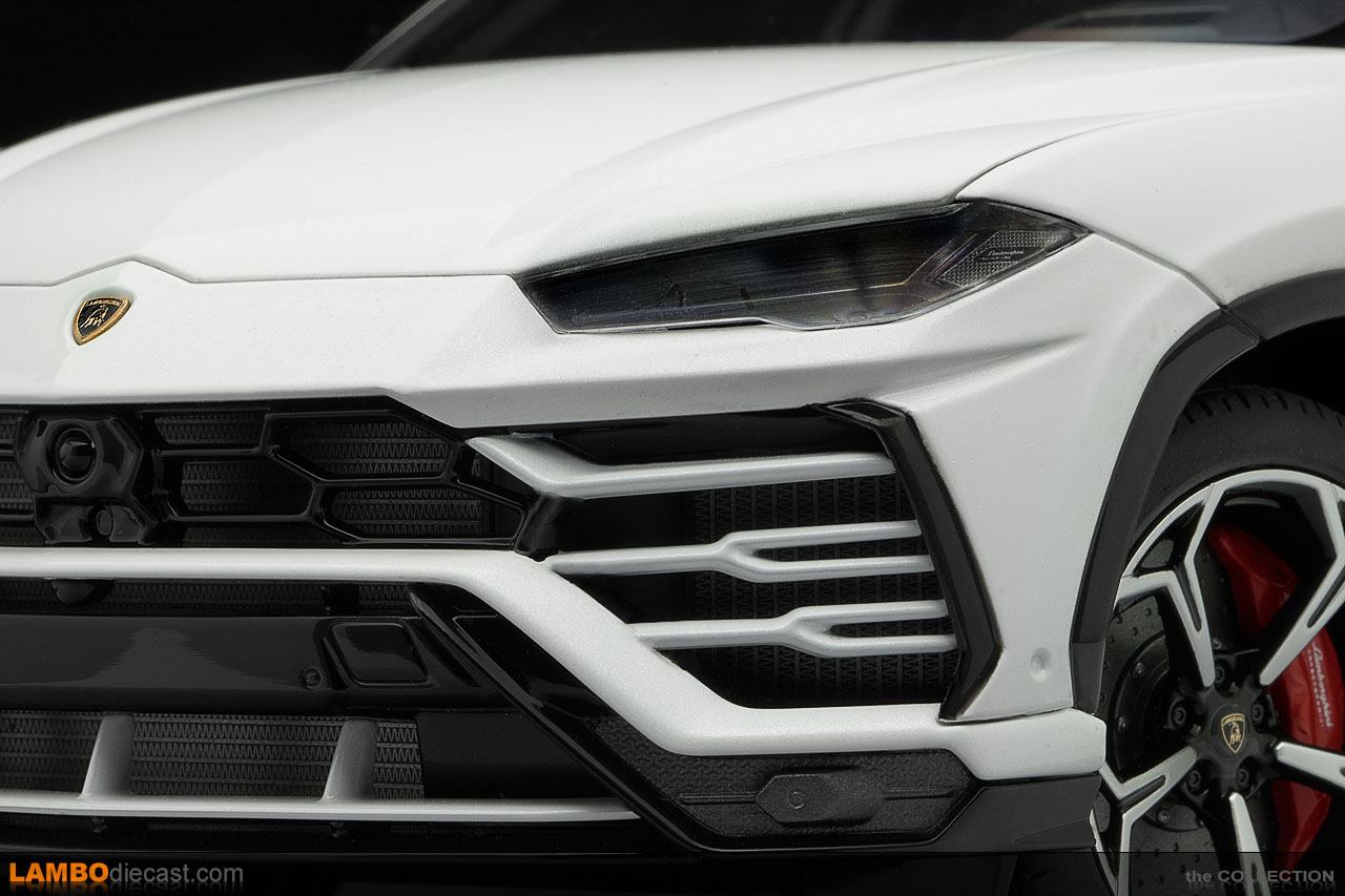 A closer look at the detail in the headlights of the AUTOart Lamborghini Urus