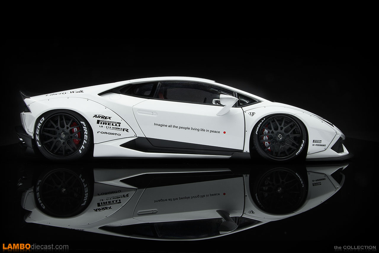 Side view of the 1/18 scale Lamborghini Huracan LB-Works by AUTOart