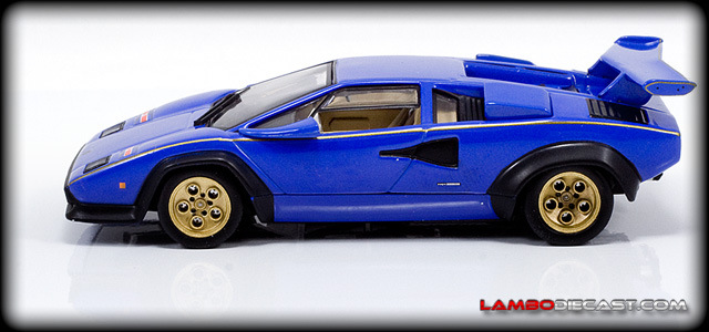 Lamborghini Countach LP500S by Ixo
